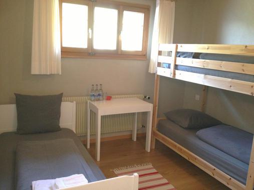 Family Room (5)