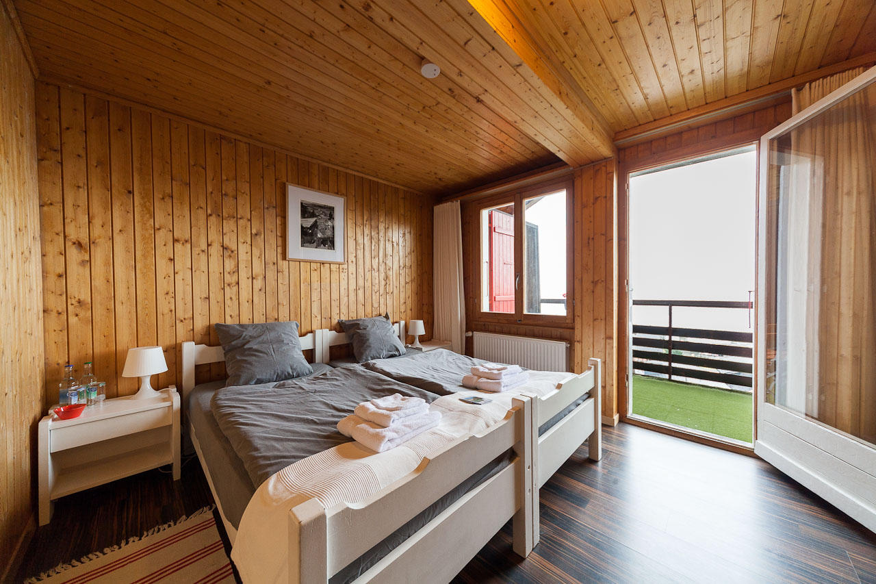 Family Room with Balcony (4)
