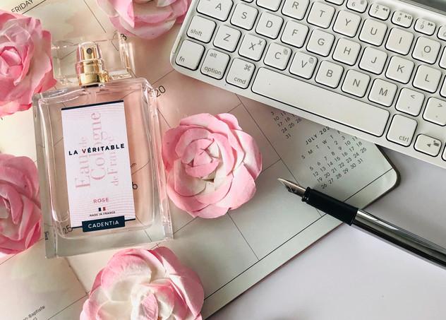 LA VERITABLE Eau de Cologne - Rose  Top Notes: Mandarin, Blackcurrant, Peony Heart Notes: Rose, Magnolia, Jasmin, Geranium Base Notes: Sandalwood, Cedar, Gaiac Wood
