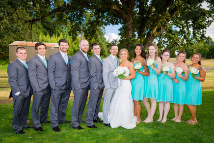 Big-wedding-formal-group-photograph-outdoors.jpg