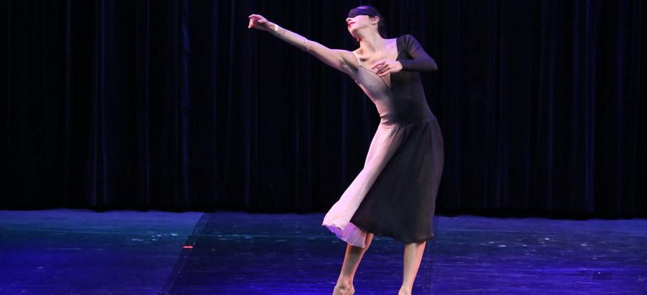 Coreografia: Anairam Coreógrafo: Karina Zalasar Bailarina: Mariana Crepaldi