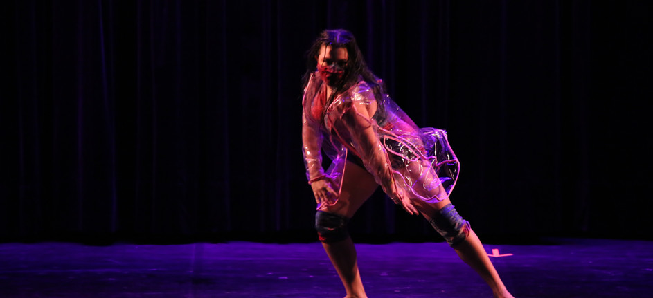 Coreografia: Insanity Coreógrafo: Bruno Lobo Bailarina: Marcella Defavari