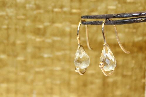 Geel gouden oorbellen met lemon kwarts