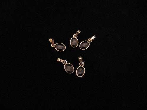 Gouden hangers met maansteen