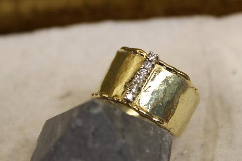 Geel gouden ring met diamantjes