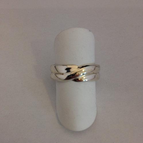 Zilveren ring van trouwringen