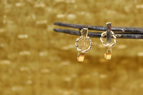 Geel gouden oorbellen met torsdraad