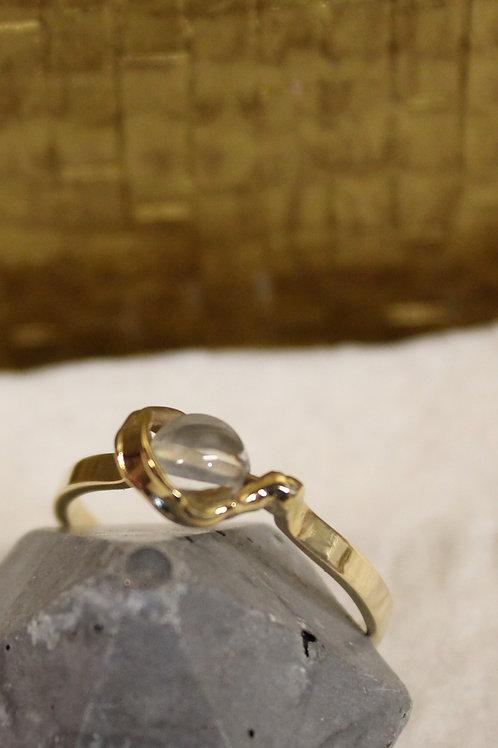 Geel gouden ring met bergkristal