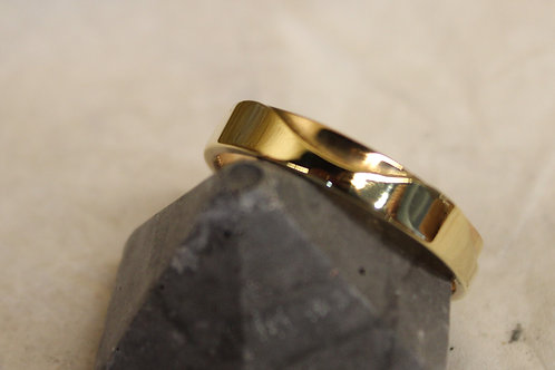 Geel gouden ring met rose