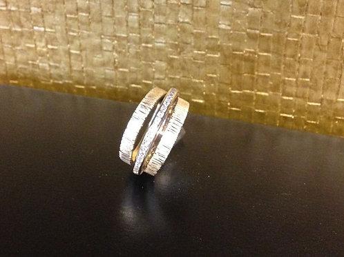 Ringen van oud goud en oude ring in midden