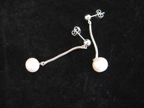 Zilveren hangers met parels