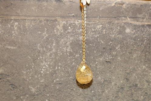Geel gouden hanger met rutielnaaldensteen