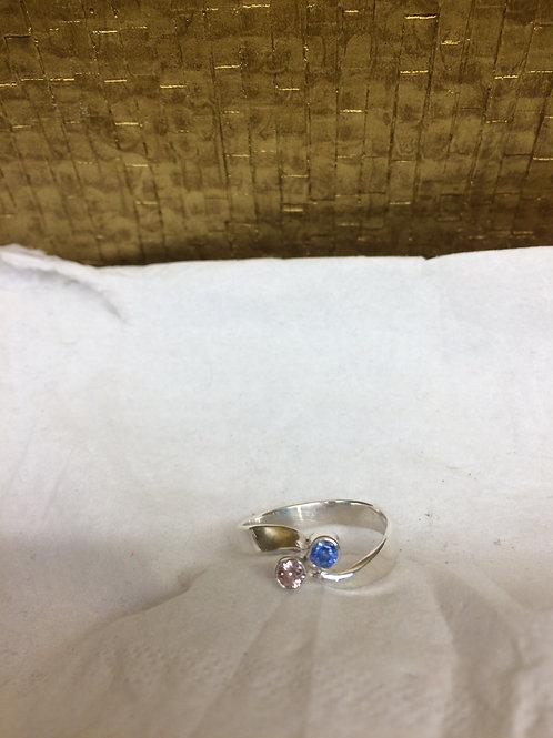 Zilveren ring met kleursteen