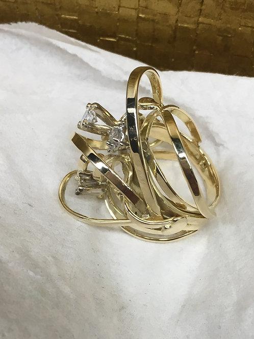 Ring van oud goud met stenen