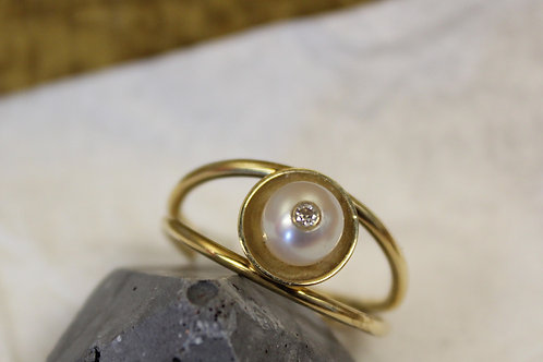 Geel gouden ring met parel