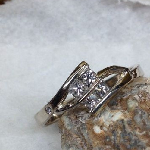 Wit gouden ring met diamantjes