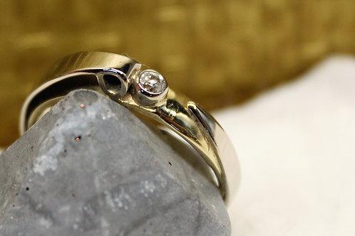 Geel met wit gouden ring met diamant