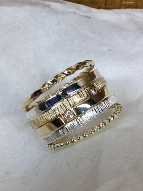 Ring van oud goud, ook los te dragen