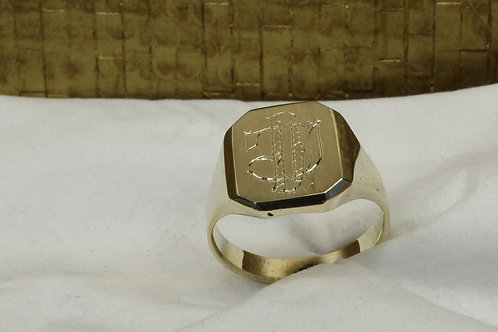Geel gouden zegelring met initialen