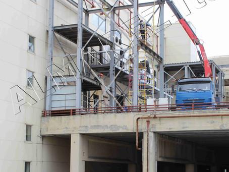 Демонтаж металлоконструкций лестницы