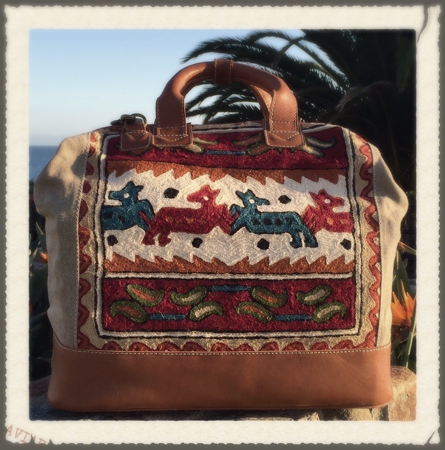 GAIYA TRIBE Dr Bag