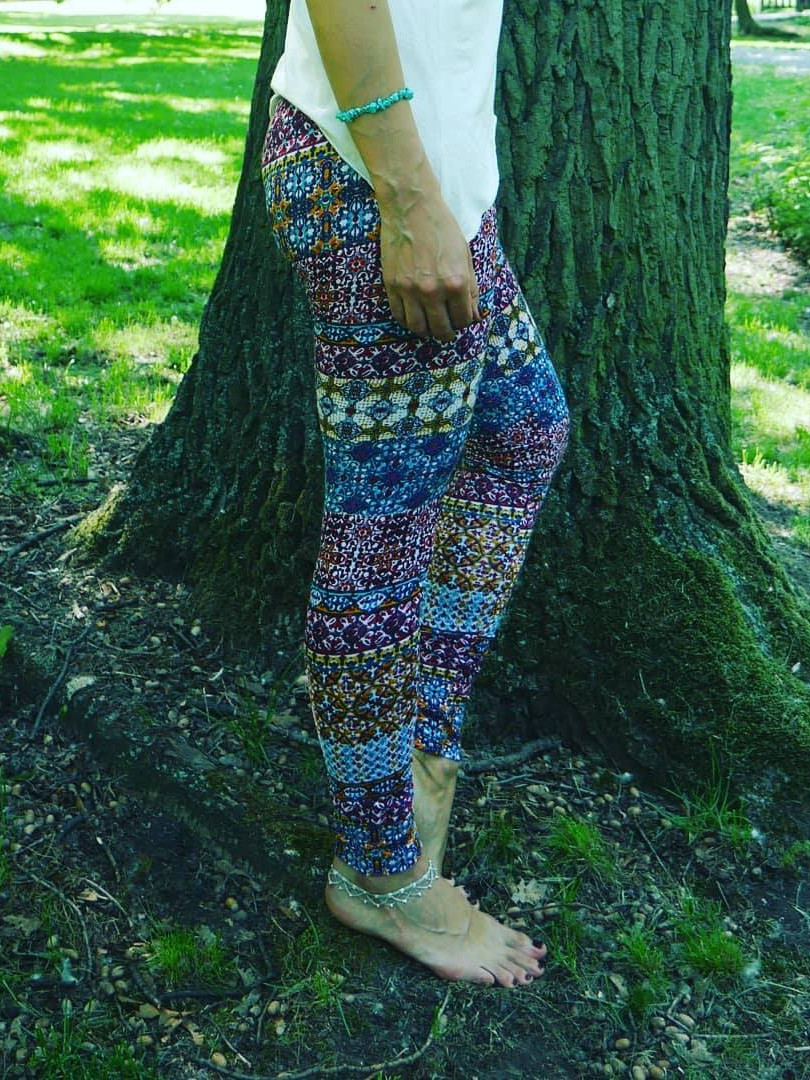 LEGGINGS with COLOUR print Material: Viscose/Lycra Size: S/M and M/L Price: 595 CZK / 23 EUR