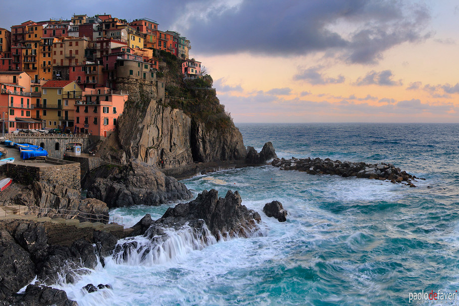 Manarola_Sunrise_Cinque_Terre_Italy.jpg