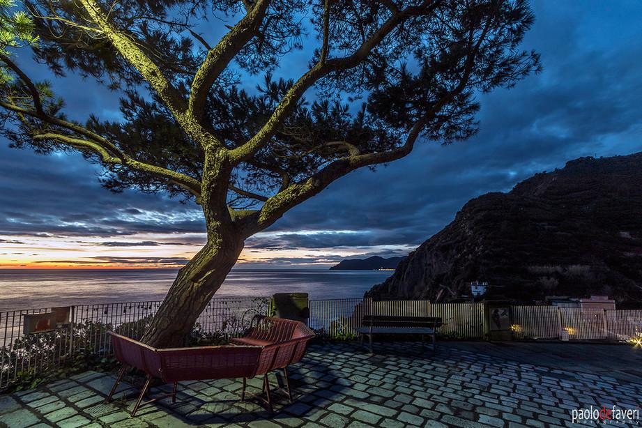 Via_Amore_Riomaggiore_Night_Cinque_Terre