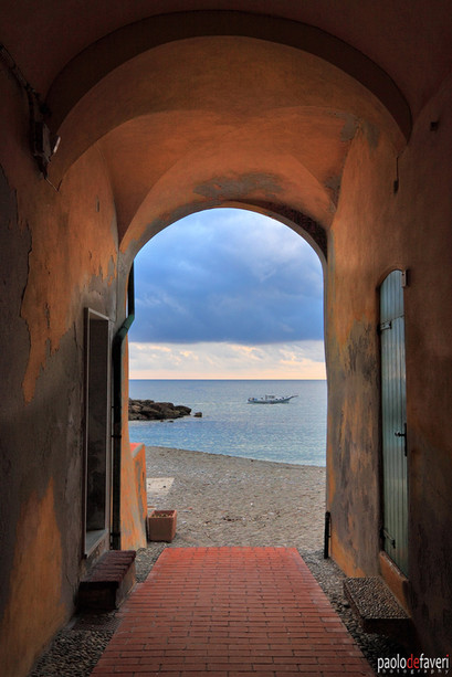 Houses_Arch_Portico_Beach_Varigotti_Ligu