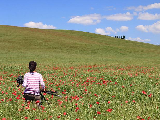 With Linda in a beautiful poppy field nearby Pienza, Tuscany
