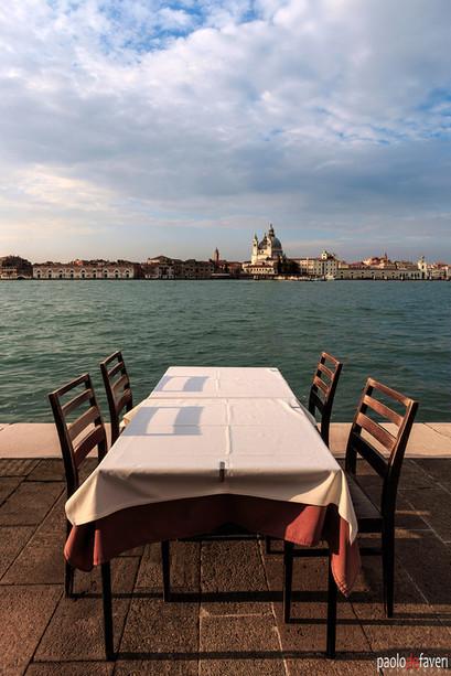Table_Restaurant_Giudecca_Venice_Italy.j
