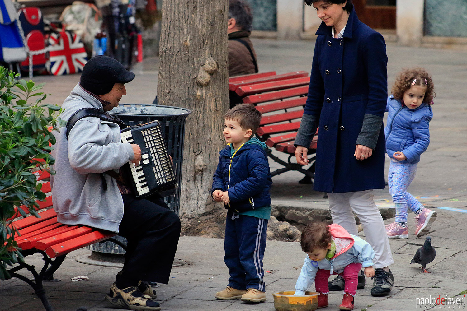 Venice_Italy_Accordion_Player_Kids_Canna
