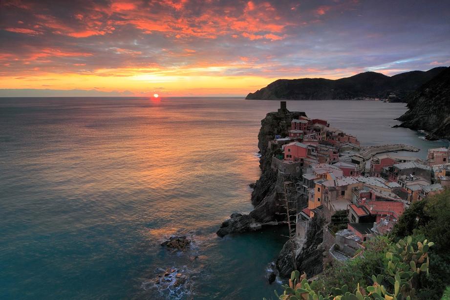Sunset_Panorama_Cliff_Vernazza_Cinque_Te
