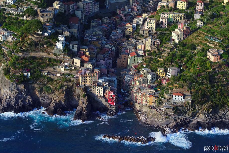 Aerial_View_Riomaggiore_Cinque_Terre_Ita