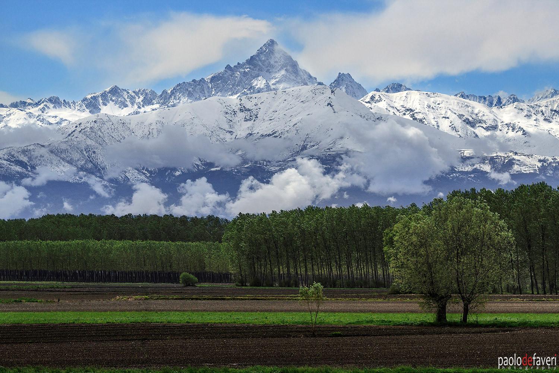Monviso_countryside_Piedmont_Italy.jpg
