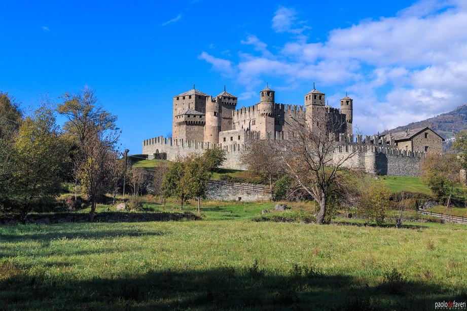 Castle_Fenis_Castello_Aosta_Valley_Alps.