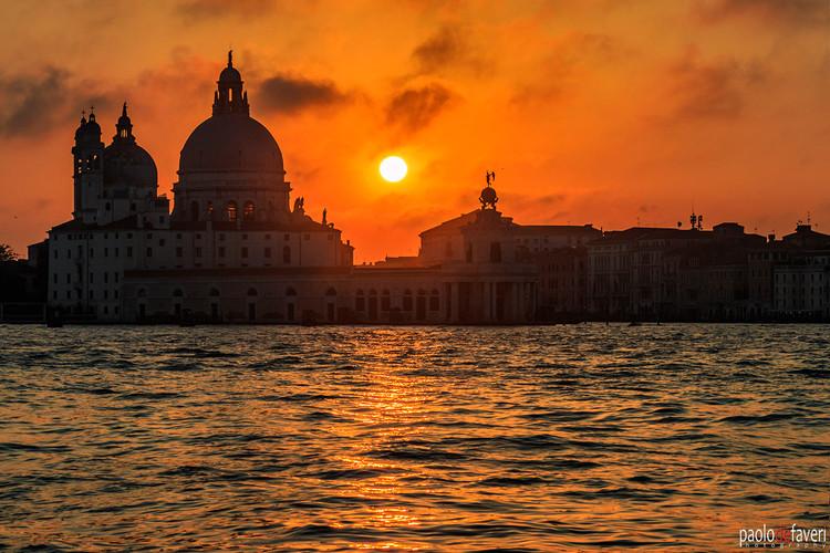 Venice_Italy_Sunset_Salute_Church_San_Ma