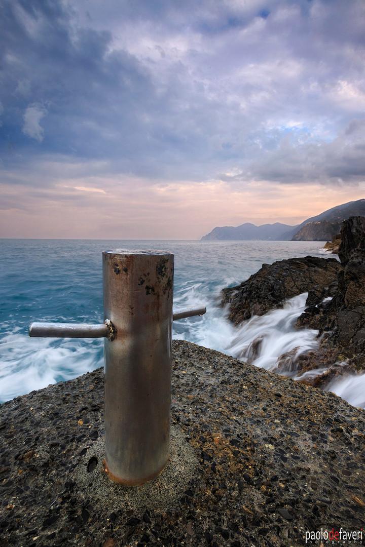 Boat_Dock_Sunrise_Riomaggiore_Cinque_Ter