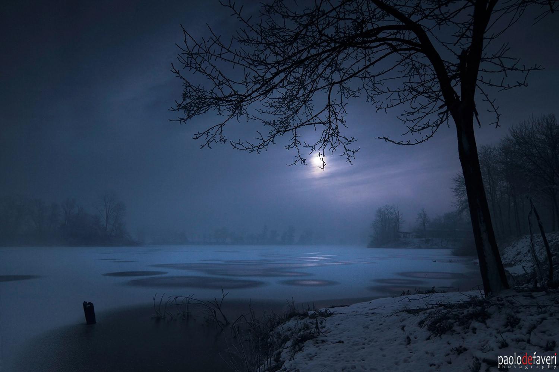 Moonrise_frozen_po_river_piedmont_Italy.