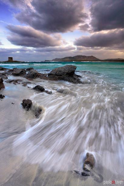Stormy_Sunrise_Surf_Pelosa_Beach_Sardegn