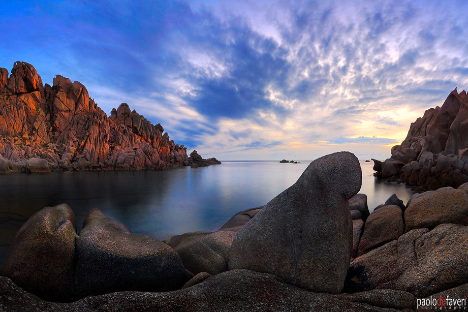 Moon_Valley_Bay_Sunset_Wind_Carved_Rocks