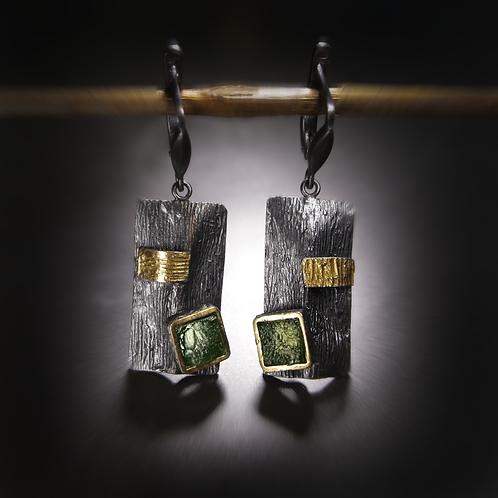 BOHEMIA silver earrings with moldavite stone
