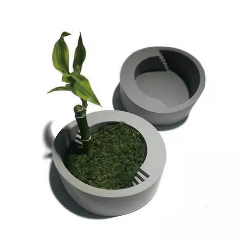 Round Shallow Planter with Steps