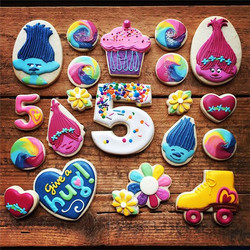 Bright and happy cookie to post on this gray and gloomy day. Here's hoping the party was a cheerful