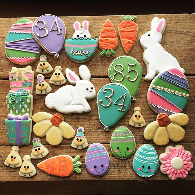 If the Easter Bunny were going to have a birthday party, I'd expect these cookies to be at it 🐰🎂 T