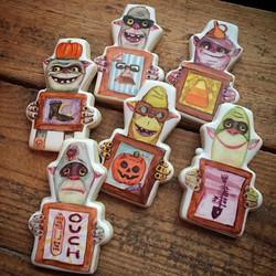 Last Halloween set of the season... Halloween BoxTrolls!! These were an inside joke for the family (