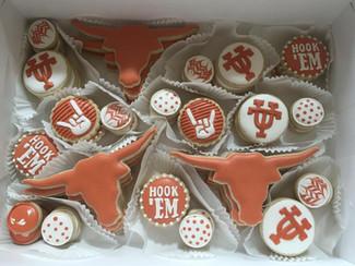 beaUTiful graduation cookies