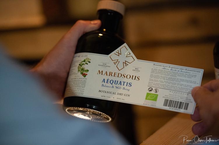 Gin_Maredsous_Bio_Label_on_Bottle_02.jpg