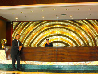 Tips for hotels on how to give customers a rewarding experience