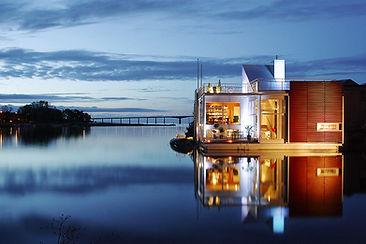 03 Villa Nackros Boat 27.jpg